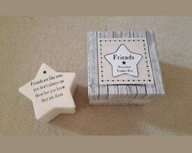 "Friends Cream Porcelain Trinket/Jewellery Box ""Friends are like stars"" Brand New in Box."