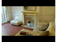 3 bedroom large house off rd parking. B11 3ed