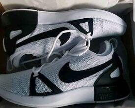 New boxed Nike dule racer UK 10