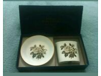 Vintage 1960s boxed Royal Worcester spill vase and pin tray