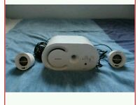 Great condition Sony 2.1 speakers (white or pink). Great condition!
