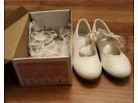 Girls white tap shoes size 1