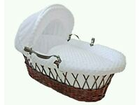 Kinder valley white Dimple with Dark Wicker moses basket. Brand new in sealed packs. 2 lift