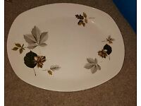 Midwinter set of 2 nuts in may serving plates