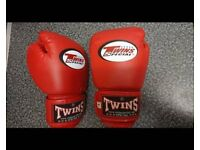 Genuine twins specials Red Jr child's Thai boxing gloves NEW