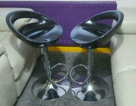 Pair of bar stools with Gas lifting and Swivel