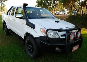 2006 Toyota Hilux KUN26R MY07 SR5 Xtra Cab White 5 Speed Manual Utility Hidden Valley Darwin City Preview