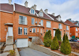 Pierrefonds Beautiful 3 Bedroom, 2.5 Bath Townhouse For Rent