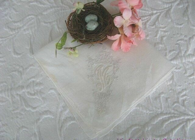 AnTiQuE Madeira MONOGRAM * M * Hand Rolled Vintage Linen BRIDAL Wedding HANKY