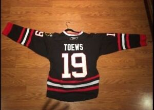 Chicago blackhawks black and red jersey