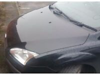 Ford Focus Bonnet In Black Colour Breaking For Parts (2006)