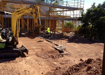 EARTHMOVING CONTRACTORS & SOIL SUPPLY- Brisbane wide to Coastal