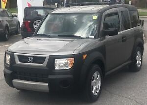 2005 Honda Element RARE (TWO SETS OF TIRES)