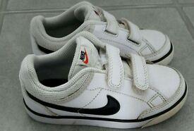 Boys Nike trainers size 9.5