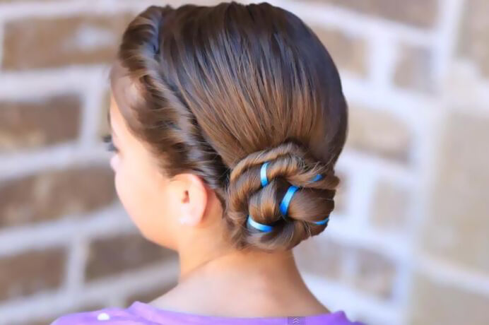 Queen Hairstyles: DIY Be A Snow Queen With Elsa's Coronation Hairstyle