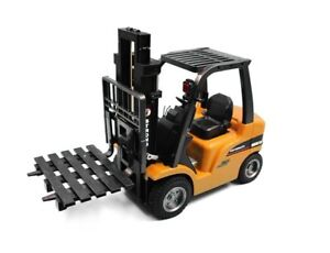 Soar Hobby has 1/10 2.4G 8CH RC Die-Cast Forklift by RC Pro