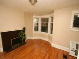 Large 2bedroom +den available April 1st call now !!