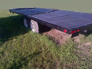 Trail Tech 4 place snowmobile trailer