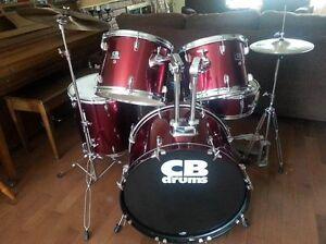 Drum batterie tout inclut avec 3 cymbales PROF DE DRUM