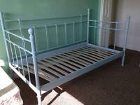 Lit 1 place IKEA - Svelvik / White single bed frame