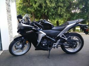 2012 Honda CBR250R with 847km!!