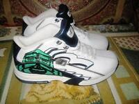Mens Reebok Pogo Athletic Shoes Size 13 Worn One Time