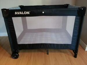 Stroller Elfe Navy & Avalon play yard