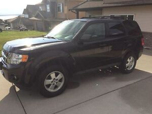 2011 Ford Escape 5 speed standard!!