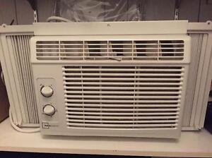 i have a few 5000 btu air conditioner Belleville Belleville Area image 1