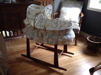 Jolly Jumper Birds Moses Basket Bassinet w/ rocking stand