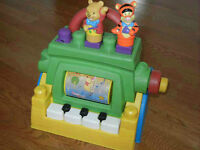 MEGA BLOKS WINNIE THE POOH MUSICAL PIANO PLAY AND TURN CRANK