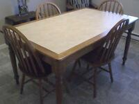 Lg rectangular table with 6 chairs and matching microwave stand