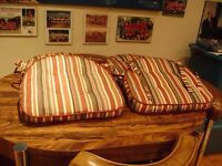 5 stripped pillows for chairs