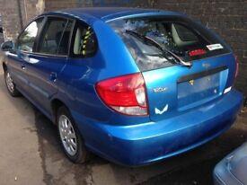 kia rio 1.4 petrol blue 5 door 2003 breaking for spares