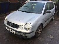 volkswagen polo 2002 1.2 Petrol silver 5dr Breaking For Spares wheel nut