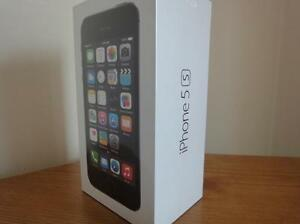 Brand new Iphone 5S 16gb Rogers locked - $300 (SURREY)