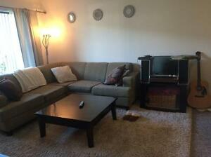 Looking for female roommate Aug 15th or Sept 1st !