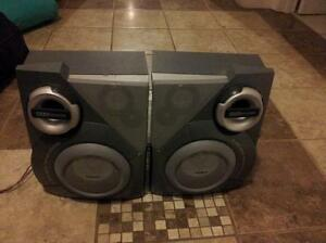 PHILIPS SPEAKERS-3 Way Bass Reflex System Max Sound High Quality