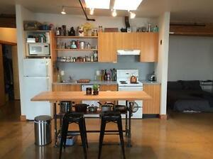 $1,350 · 532 Herald St - furnished studio in old town