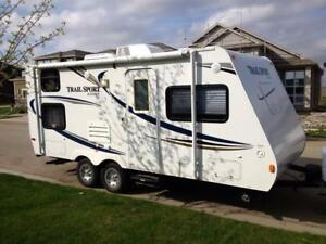 Roulotte R-Vision Trail Sport 21RBH 2011, 21 pieds