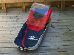Xcountry skiing child carrier