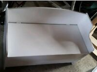 Seated toy box