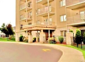 LUXURY TWO BEDROOM, FIFTH FLOOR CONDO 3 MINUTES TO OTTAWA CENTER Gatineau Ottawa / Gatineau Area image 1