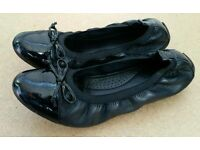 Girls / Ladies Ballet Style Shoes. School Shoes. Size 6.