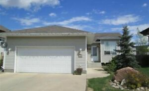 Full house for rent in Blackfalds $1850
