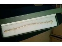 Bracelet unwanted gift