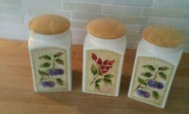 Ceramic storage canisters