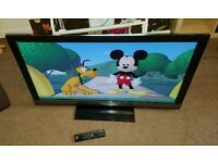Sony Bravia 40 inch led Internet tv excellent condition fully working with remote control