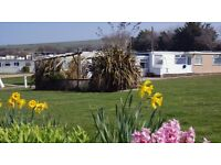 SANDOWN BAY HOLIDAY FLAT CHALET LET HIRE RENT ISLE OF WIGHT - DOG / PET FRIENDLY