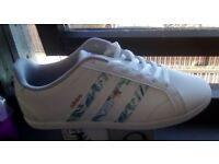 Womens Adidas trainers Brand NEW size 5